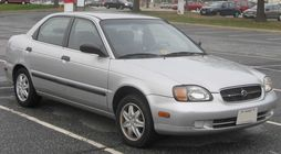 1999-2000 Suzuki Esteem sedan (US)