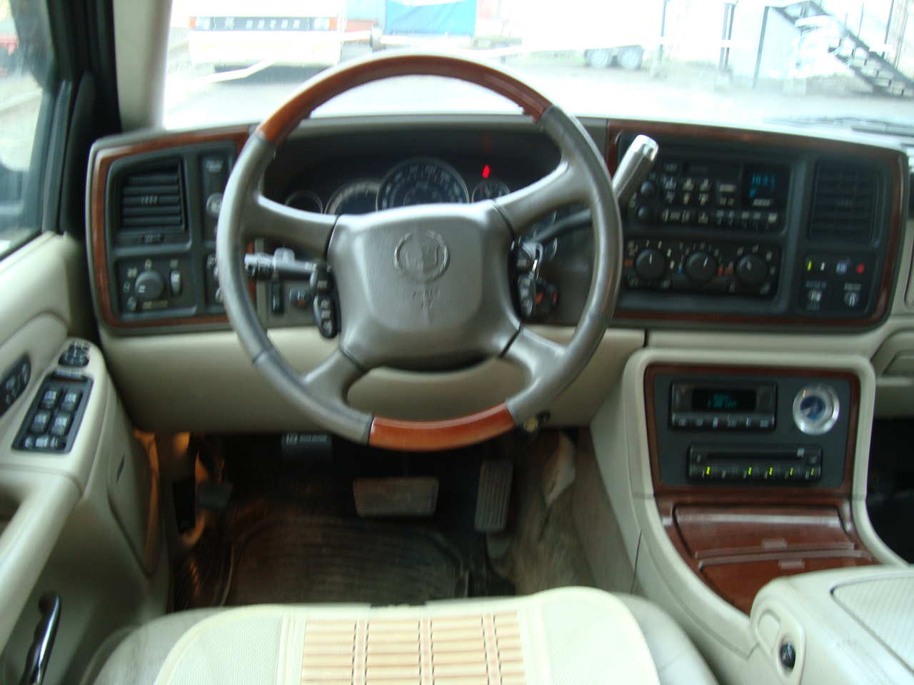 6 Speed Transmission >> 2001 Cadillac Escalade specs, Engine size 5.7l., Fuel type ...