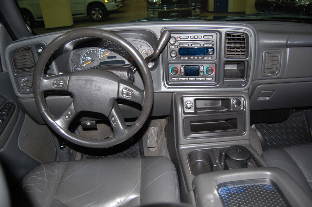 2006 chevrolet silverado 1500 wiring diagram with Chevrolet Avalanche A1240526429b2639291 11 P on Gm radios further 2002 Impala Drivers Side Power Mirror Wiring Diagram further Electronic Throttle Body 1 furthermore Suburban likewise 2005 Mazda 3 Factory   Location.