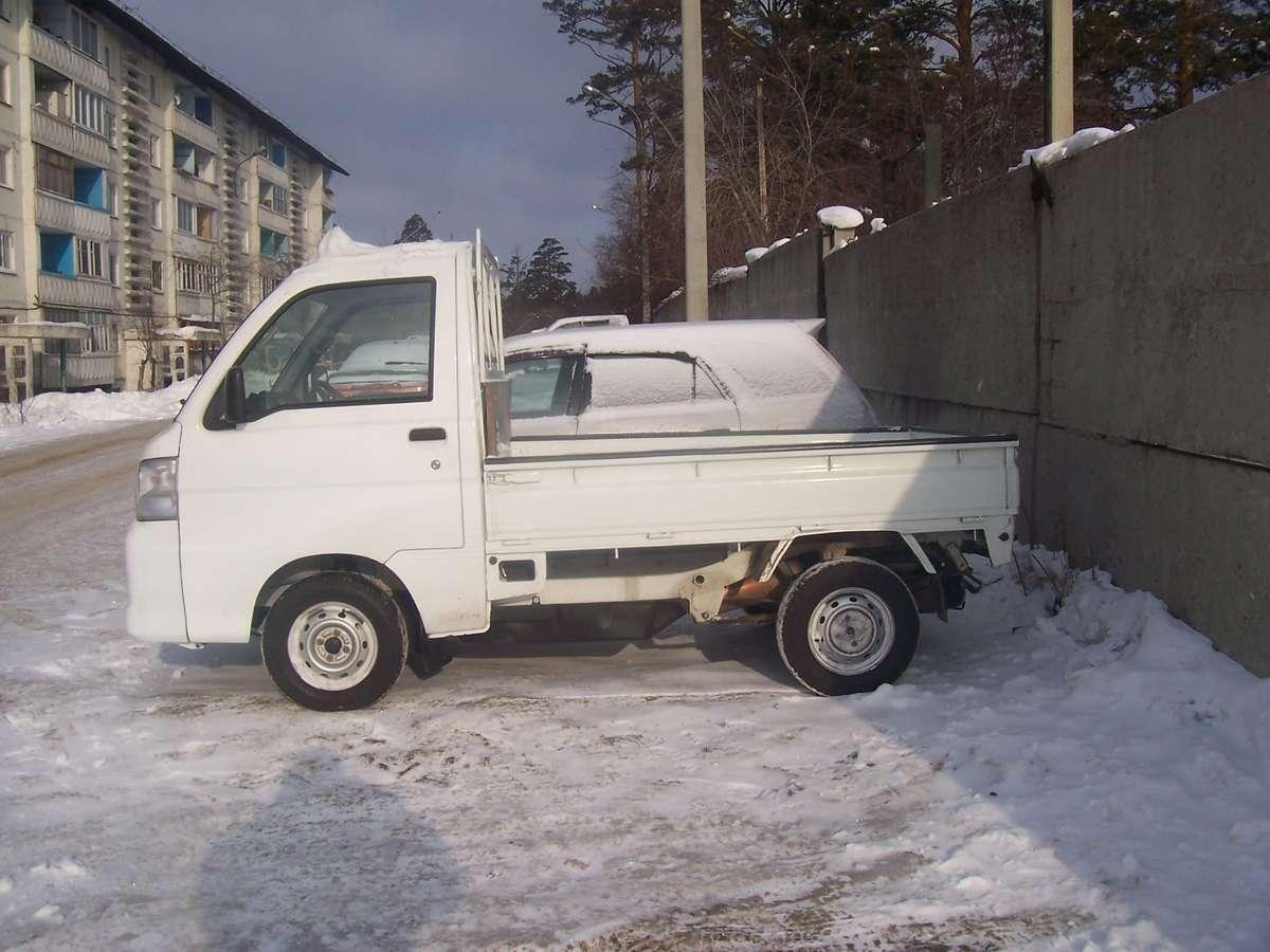 2011 Daihatsu Hijet Photos, 0.7, Gasoline, Manual For Sale