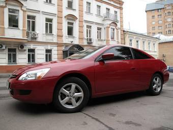 2004 Honda Accord Coupe Photos