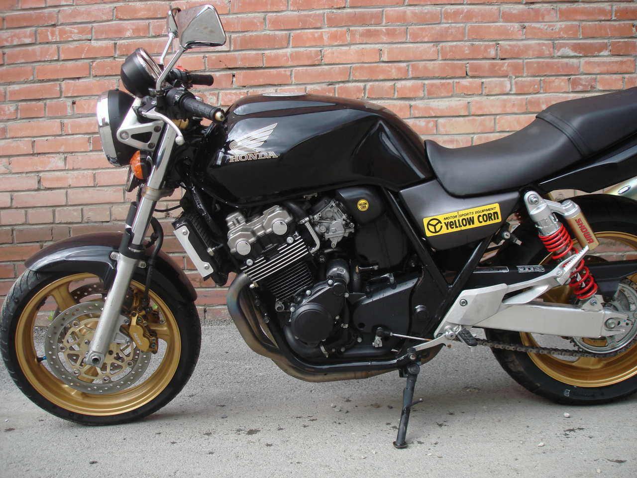 Honda CB400SF: photos and reviews. Motorcycle Specifications 63