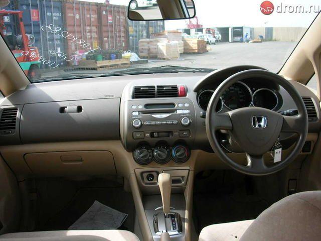 2004 Honda Fit Aria Pictures