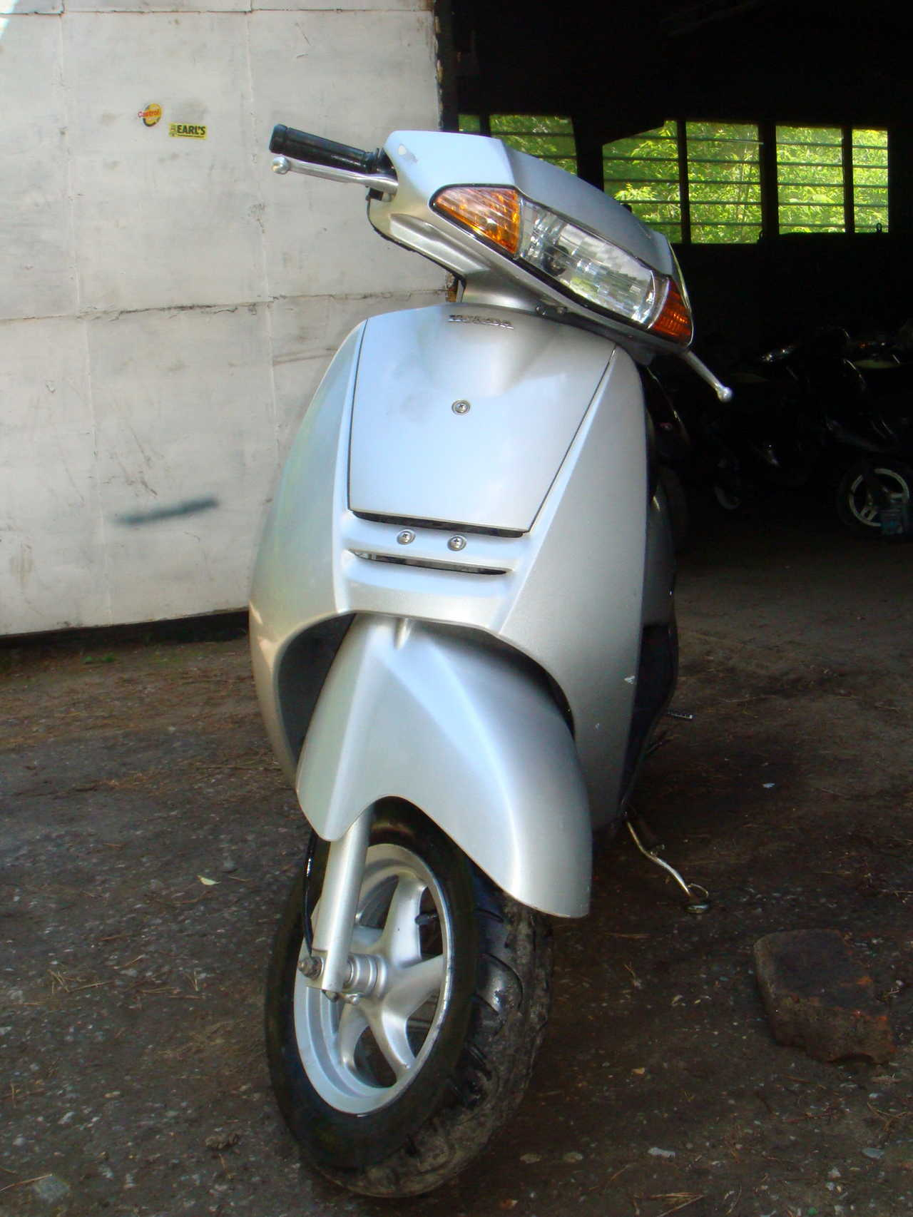 2001 Honda LEAD Pictures, 50cc. For Sale