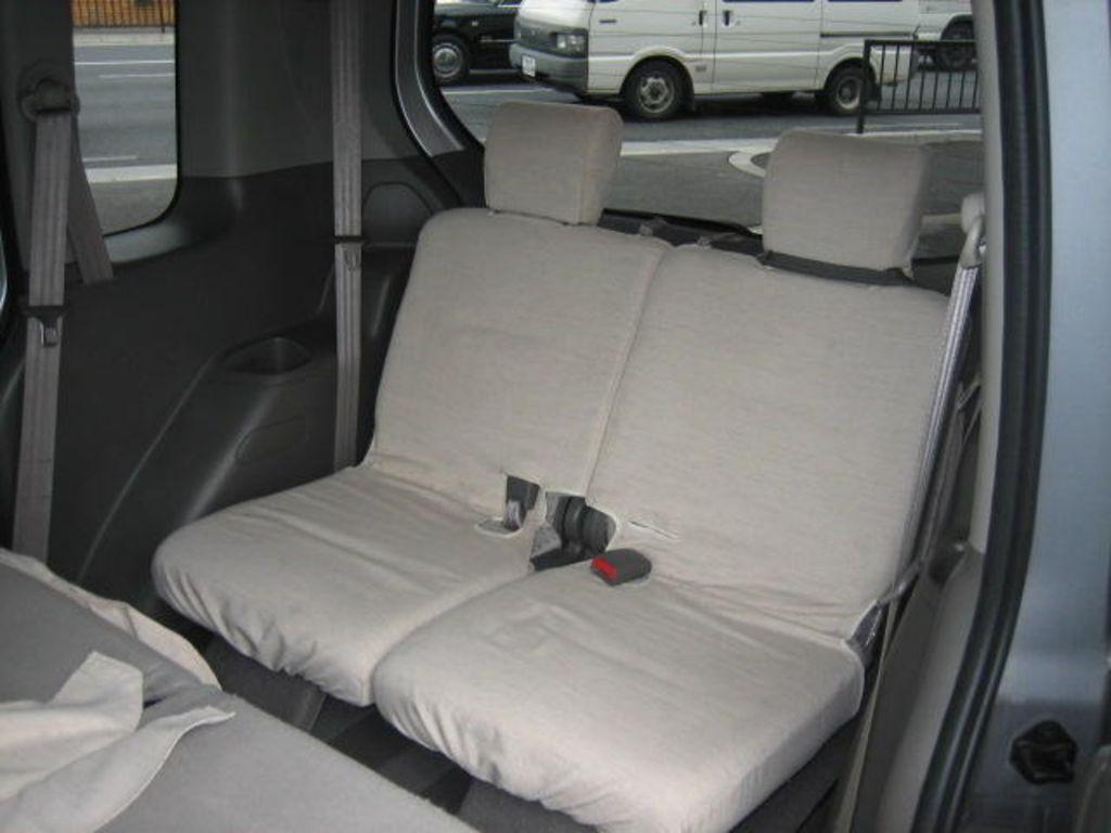 2004 Honda Mobilio specs: mpg, towing capacity, size, photos