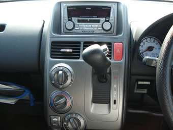 2003 Honda Mobilio Spike Pictures