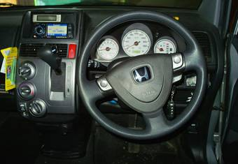 2003 Honda Mobilio Spike Photos