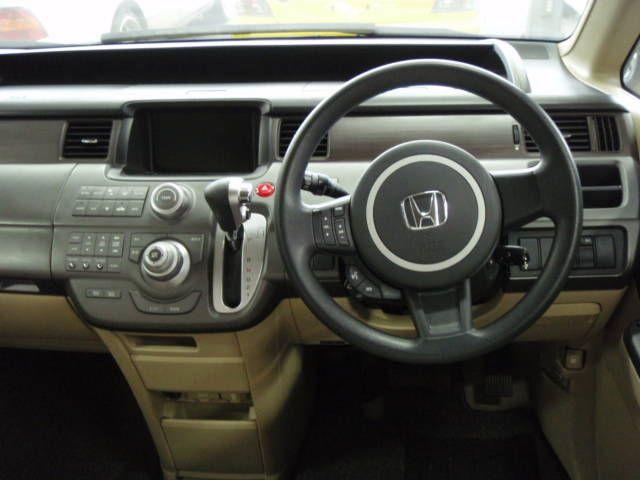 2005 Honda Stepwgn Photos