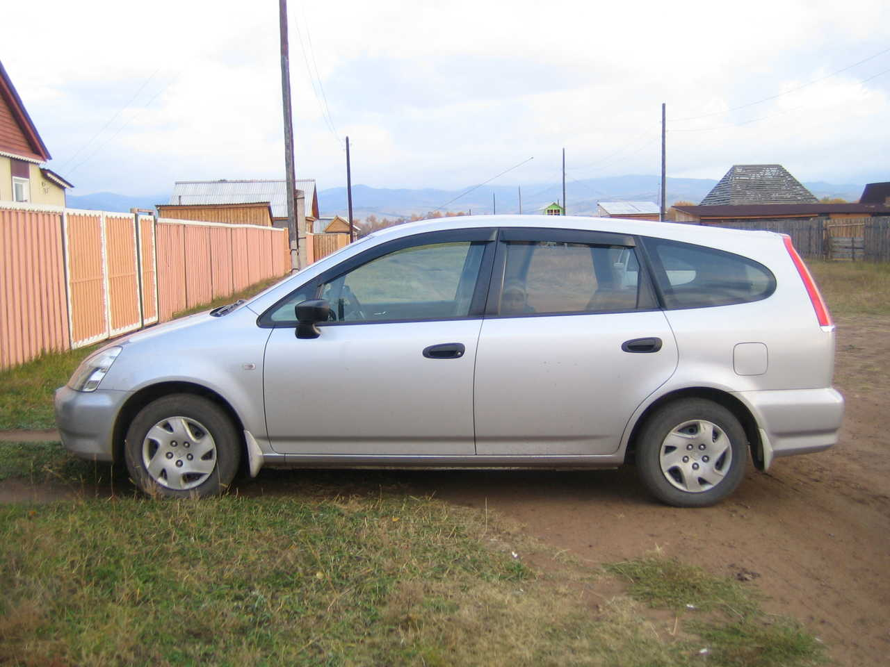 2002 Honda Stream Photos, 1.7, FF, Automatic For Sale