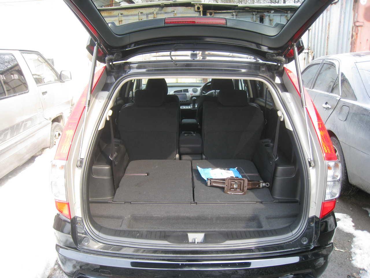 Honda Stream: photos, technical specifications, reviews