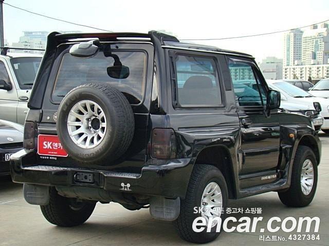 2002 Hyundai Galloper Images