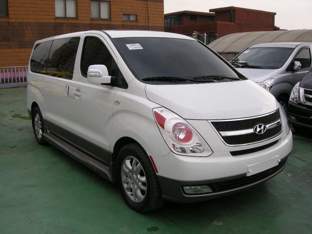 Used 2010 hyundai grand starex photos 2500cc diesel automatic for sale
