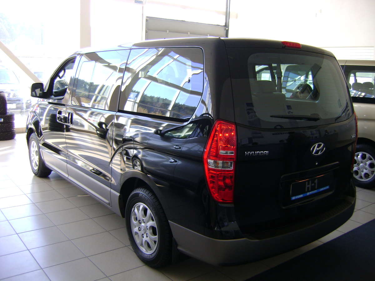 2011 hyundai h1 images 2500cc gasoline fr or rr automatic for sale. Black Bedroom Furniture Sets. Home Design Ideas