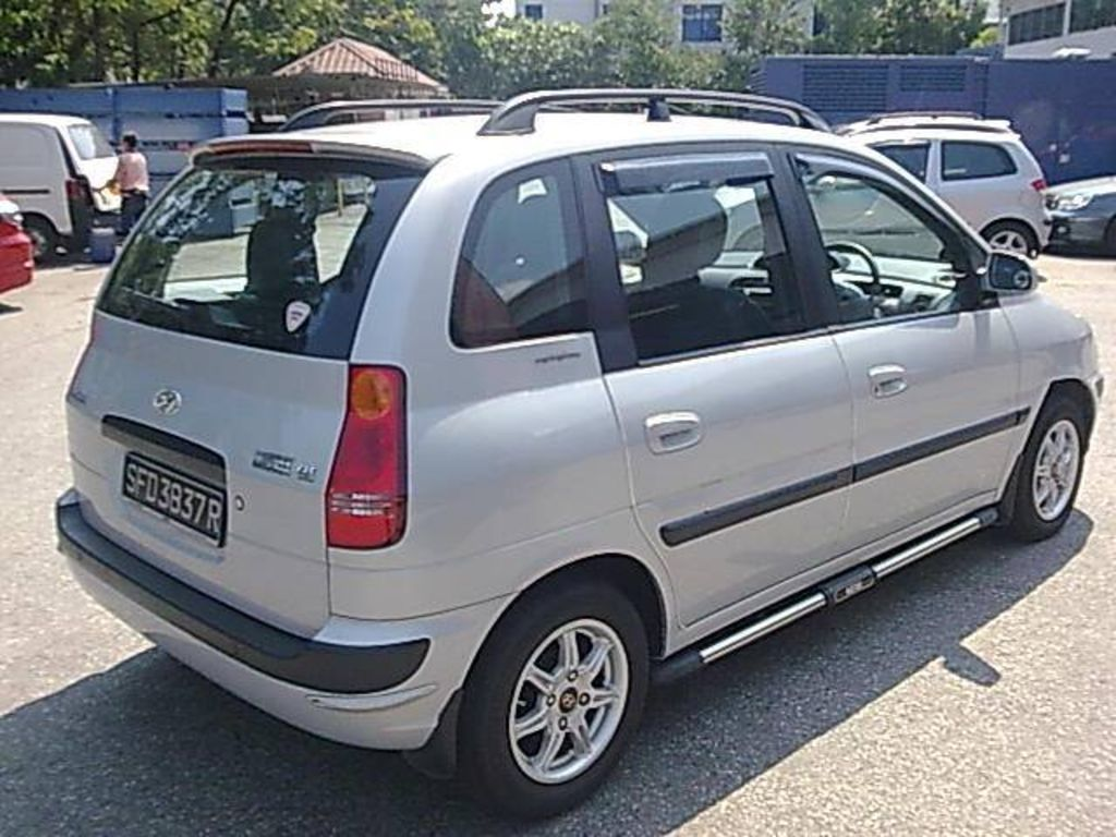 2003 Hyundai Matrix Photos