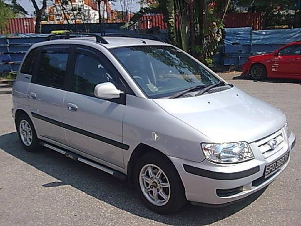 2003 Hyundai Matrix Photos
