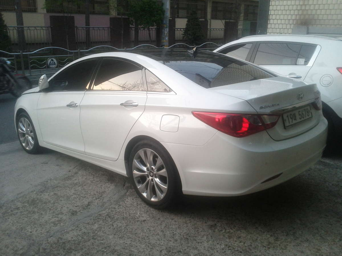 2012 hyundai sonata photos 2 0 ff automatic for sale. Black Bedroom Furniture Sets. Home Design Ideas