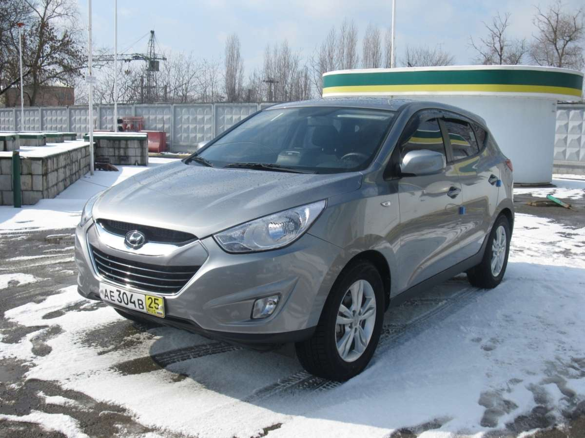 Used 2011 Hyundai Tucson Photos 2000cc Diesel