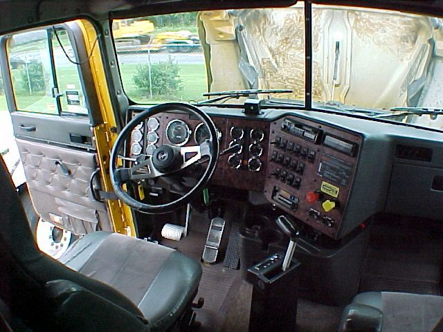 1999 international 9800 pictures 14000cc diesel fr or rr automatic for sale
