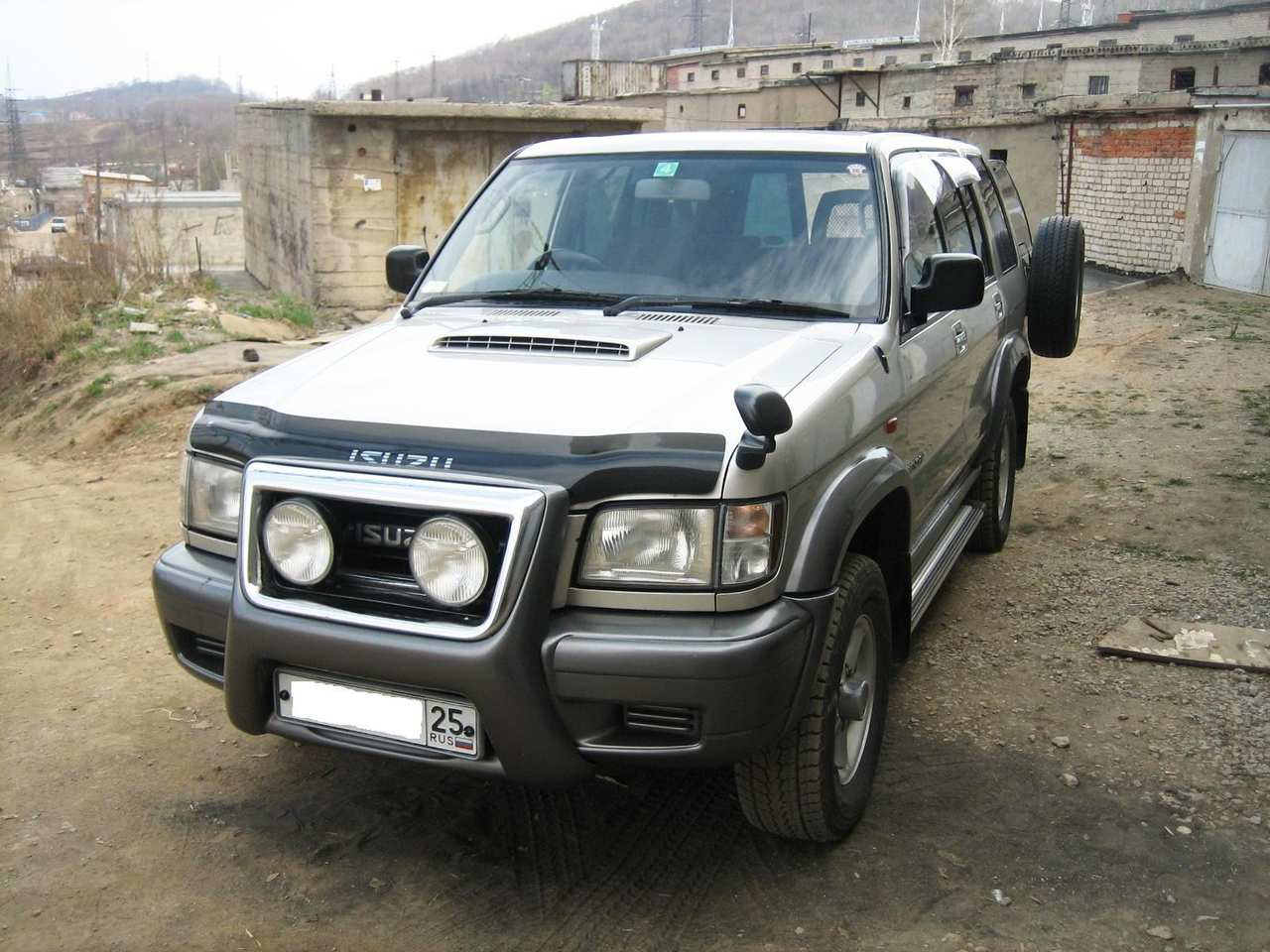 1998 isuzu bighorn pictures diesel automatic for sale. Black Bedroom Furniture Sets. Home Design Ideas
