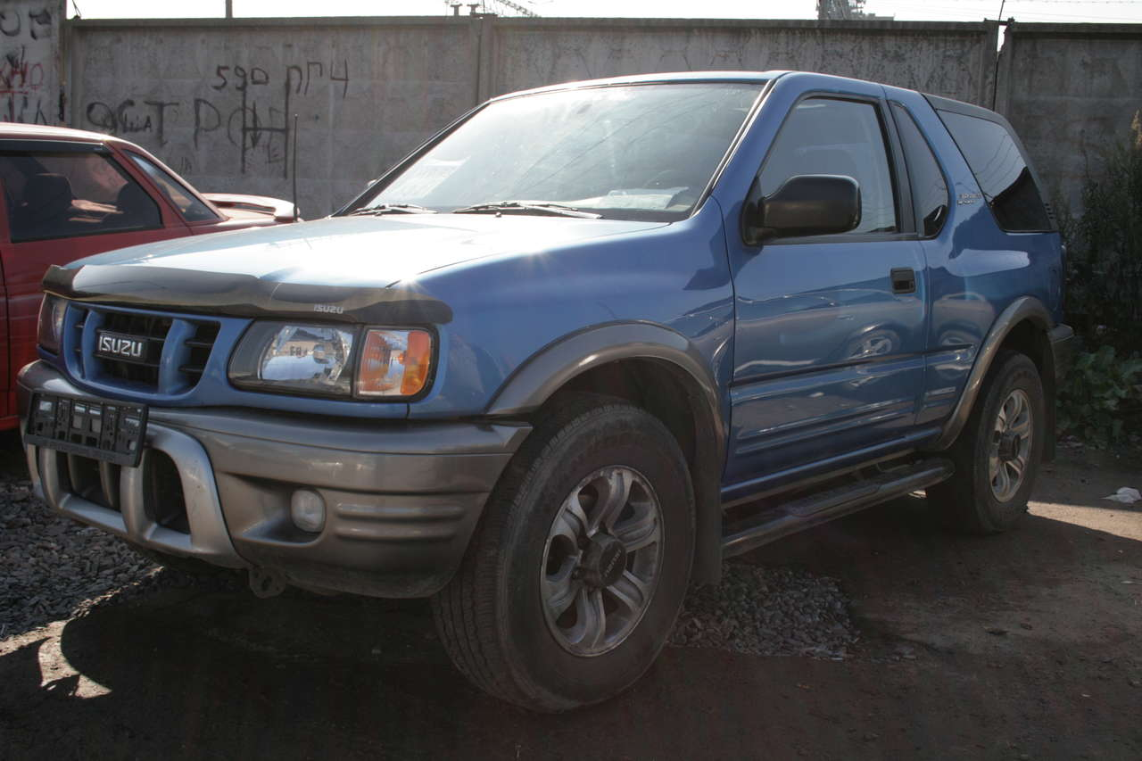 2001 isuzu rodeo pictures automatic for sale. Black Bedroom Furniture Sets. Home Design Ideas