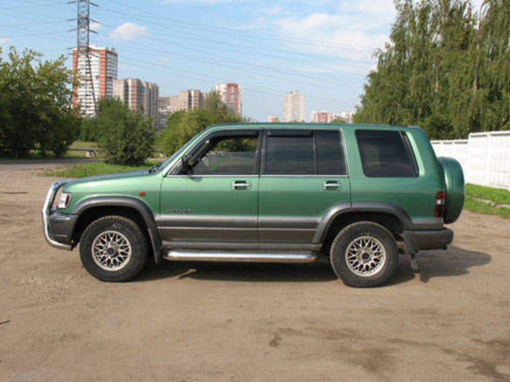 1999 isuzu trooper pictures. Black Bedroom Furniture Sets. Home Design Ideas