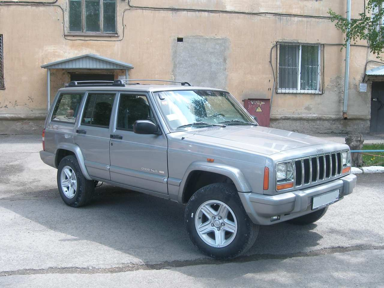 Photo 8 enlarge photo 1280x960 1999 jeep cherokee