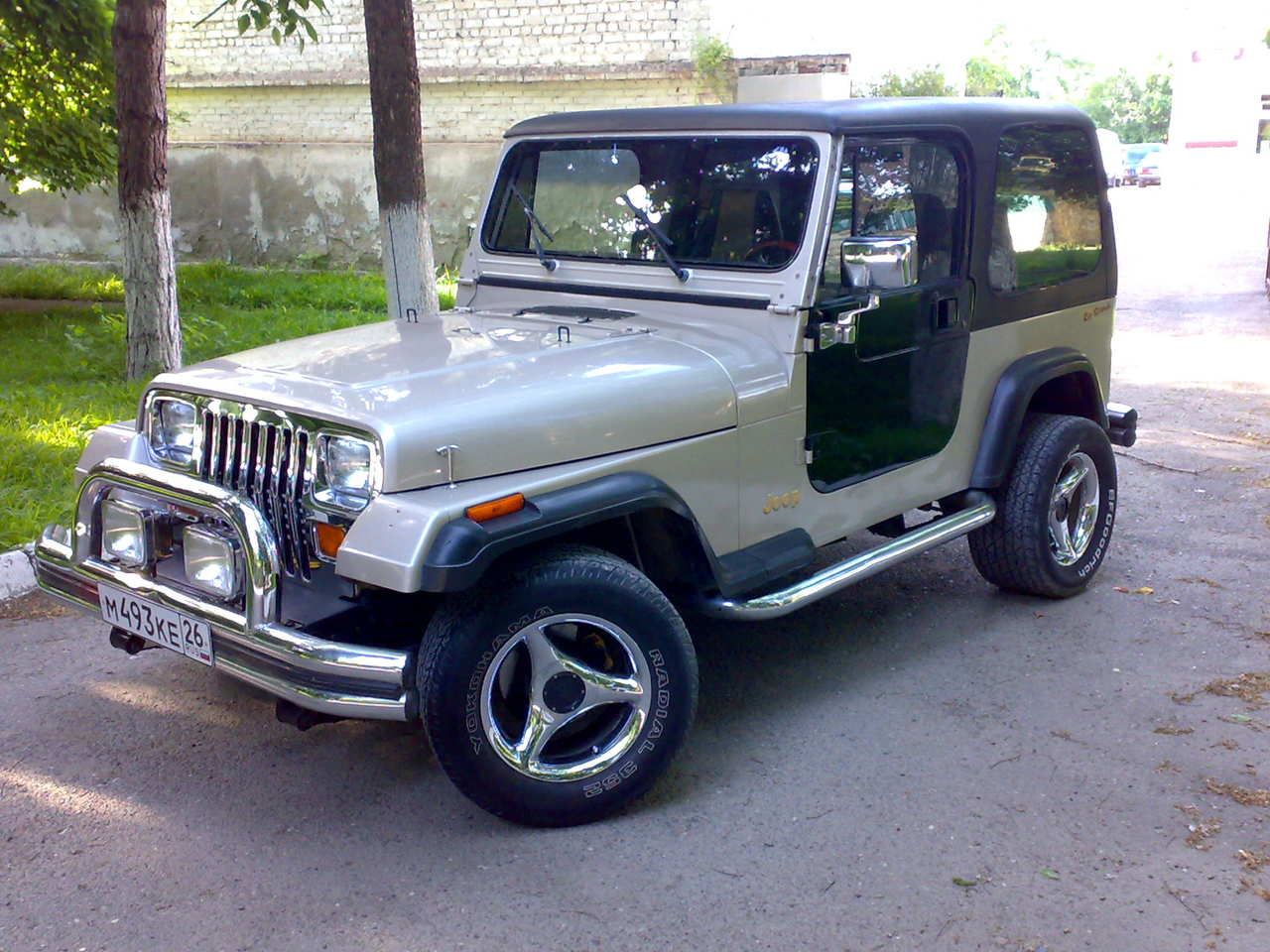 1995 jeep wrangler for , 2500cc., gasoline, automatic for