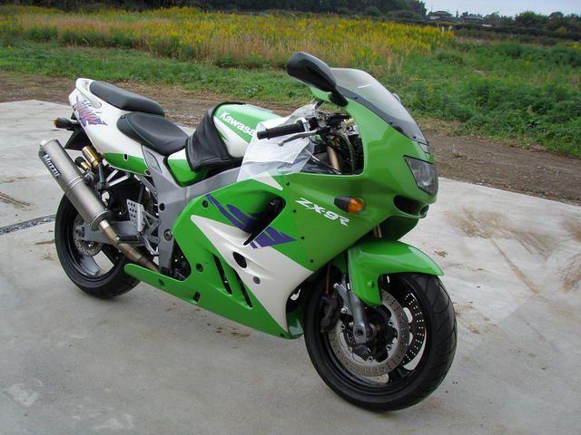 Kawasaki ZX-9R Ninja 900 cm³ 1996 - Taivassalo