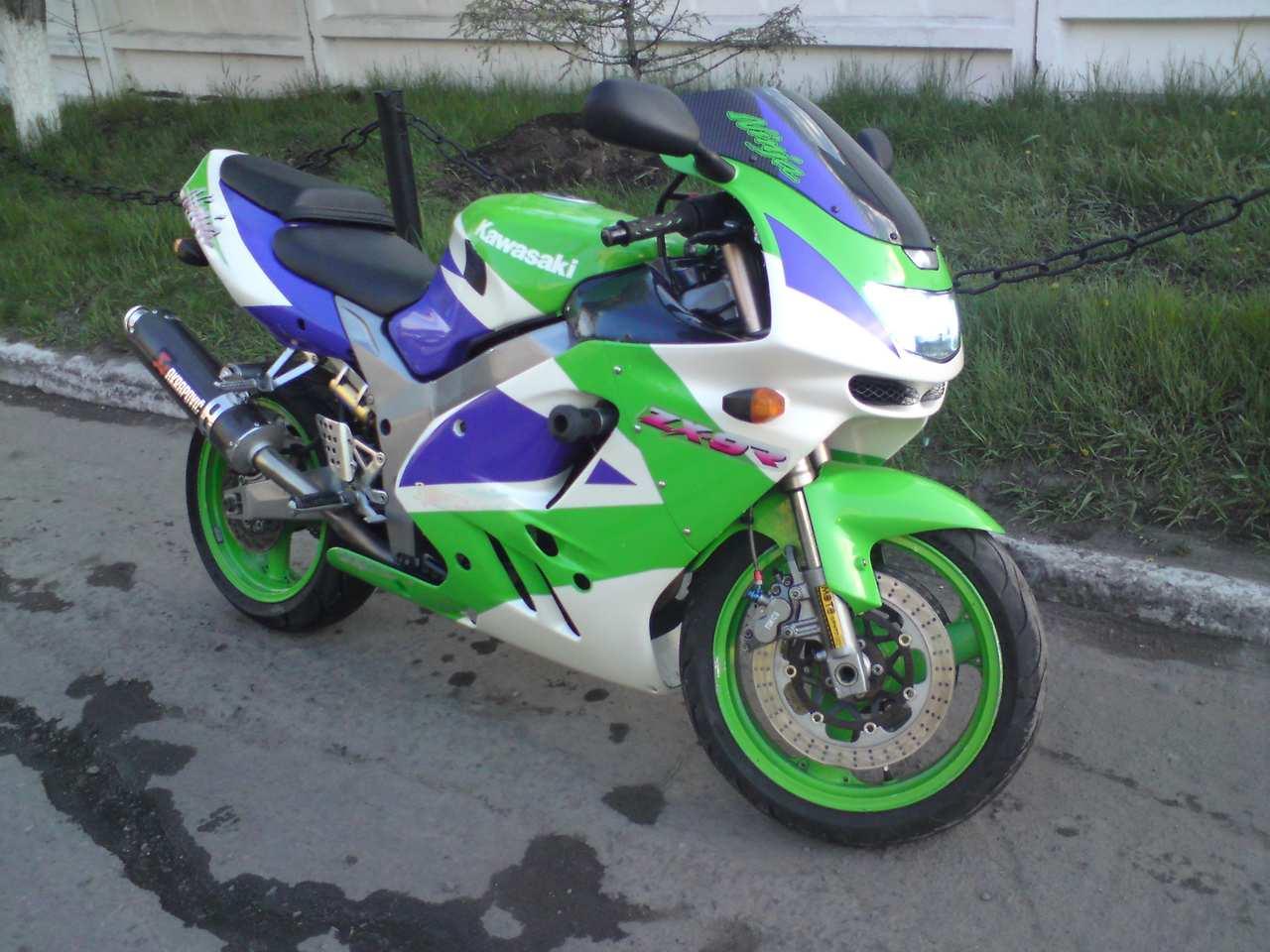 1996 Kawasaki ZX-7R Ninja - Moto.ZombDrive.COM