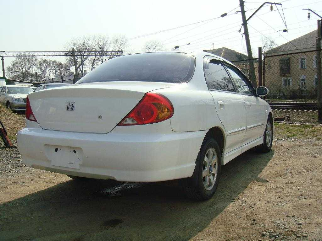 2000 kia spectra hatchback