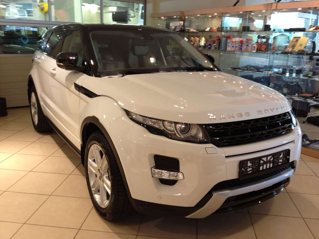 used 2012 land rover range rover evoque photos 2200cc. Black Bedroom Furniture Sets. Home Design Ideas