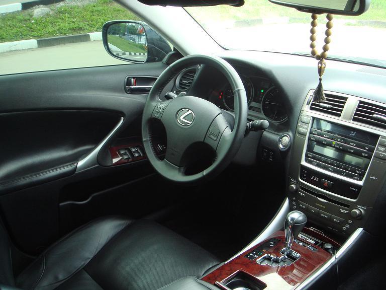 2005 lexus is350