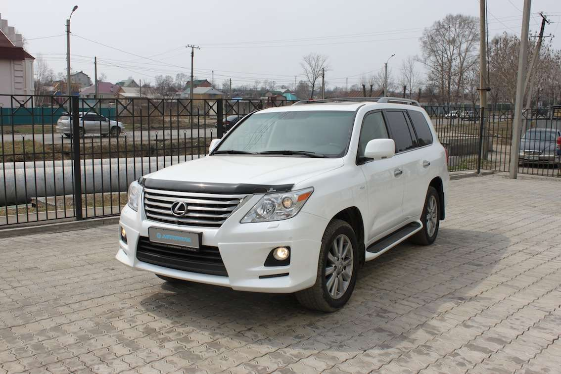 Photo #1   Enlarge Photo 1134x756 2011 Lexus Lx570 Photos