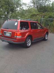 2005 Lincoln Aviator Photos