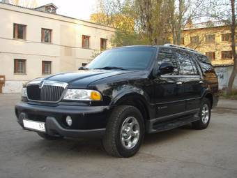 2001 Lincoln Navigator specs, Engine size 5400cm3, Fuel ...
