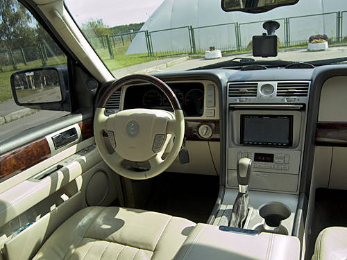 2003 lincoln navigator for sale 5400cc gasoline. Black Bedroom Furniture Sets. Home Design Ideas