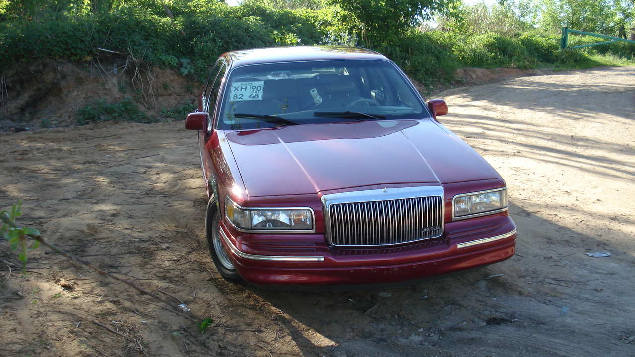 1995 Lincoln Town Car Pics 4 6 Gasoline Fr Or Rr