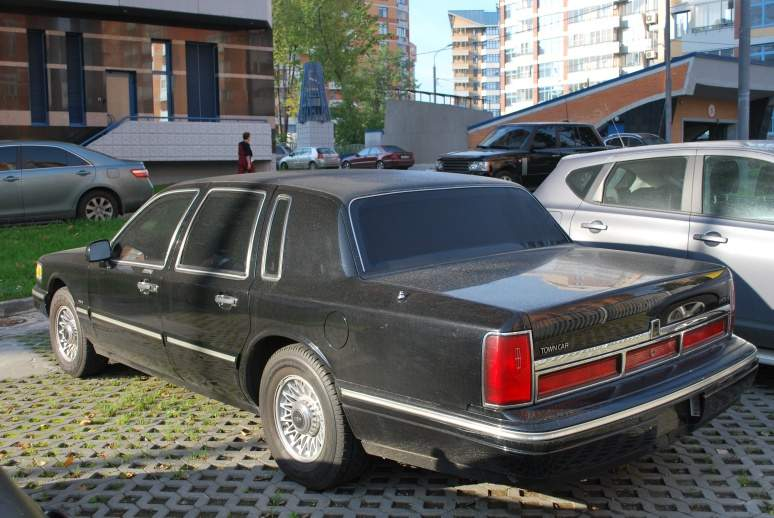 1997 lincoln town car photos 4 6 gasoline fr or rr automatic for sale. Black Bedroom Furniture Sets. Home Design Ideas