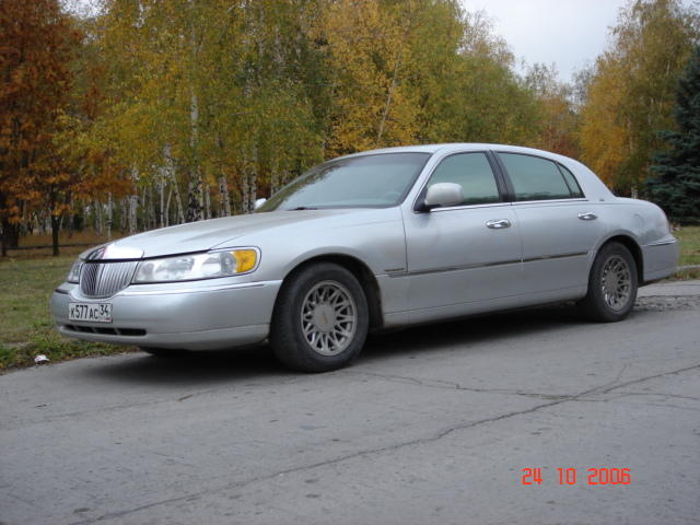 1999 lincoln town car photos 4 6 gasoline fr or rr. Black Bedroom Furniture Sets. Home Design Ideas