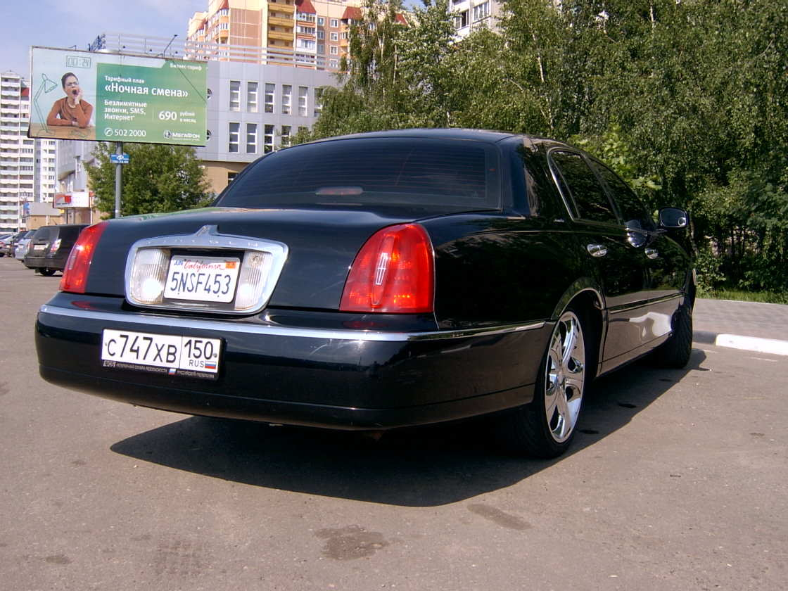 used 2000 lincoln town car photos 4600cc gasoline fr or rr automatic for sale. Black Bedroom Furniture Sets. Home Design Ideas