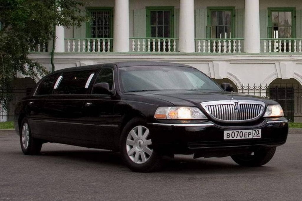 2004 lincoln town car images. Black Bedroom Furniture Sets. Home Design Ideas