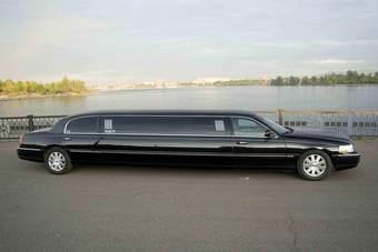 2004 lincoln town car photos 4 6 gasoline fr or rr automatic for sale. Black Bedroom Furniture Sets. Home Design Ideas