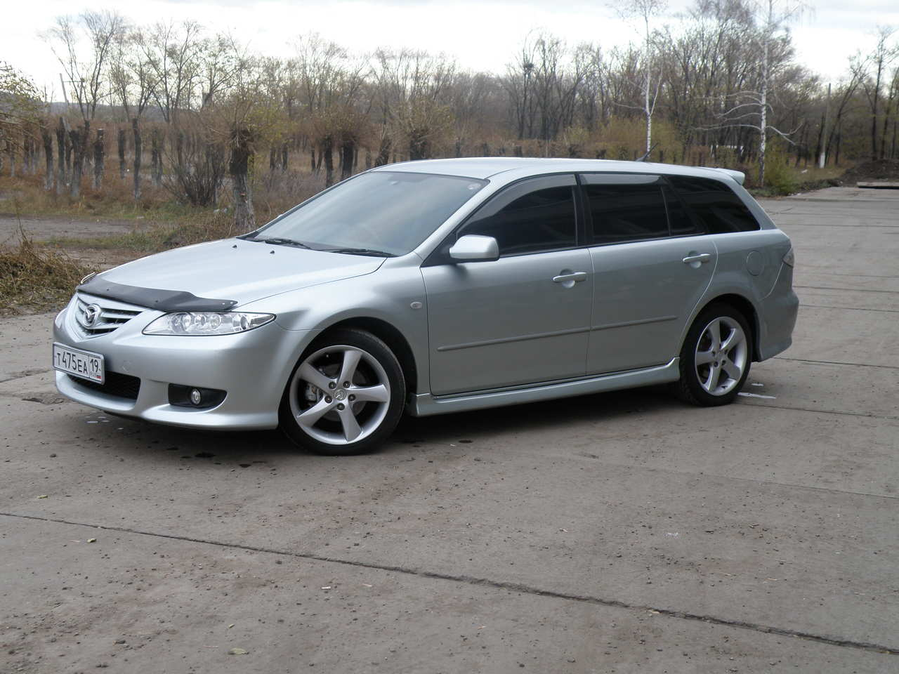 http://www.cars-directory.net/pics/mazda/atenza_sport_wagon/2003/mazda_atenza_sport_wagon_a1253431810b3039823_3_orig.jpg