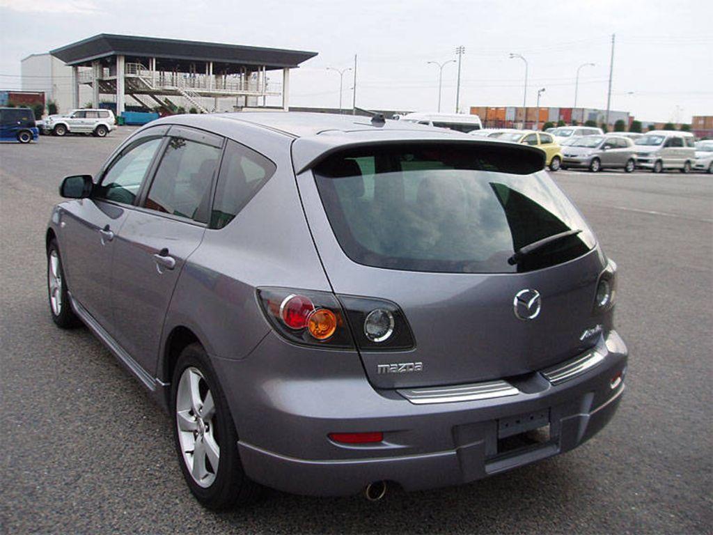 05 mazda 3 hatchback review