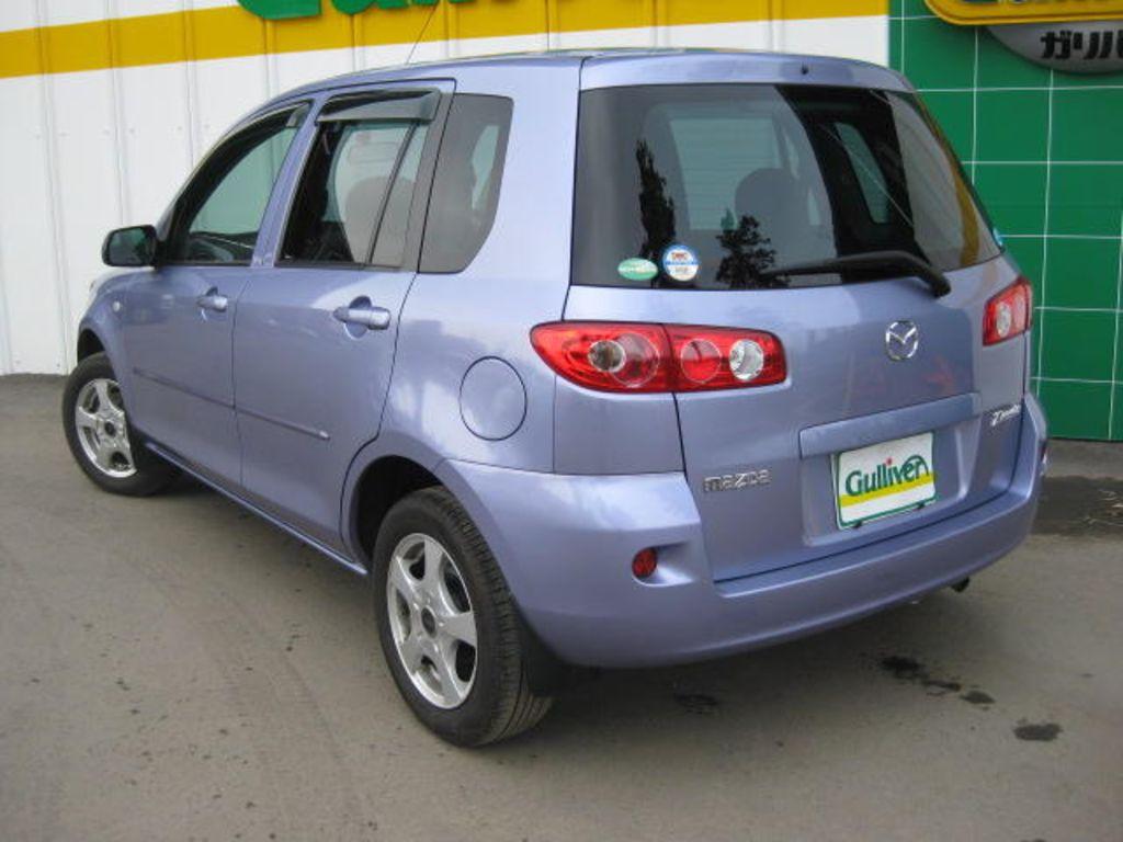 2006 Mazda Demio Pictures