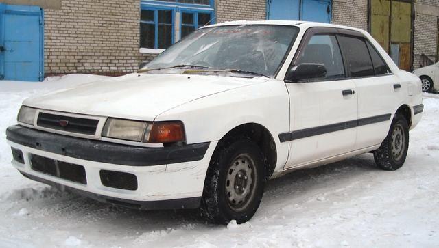 mazda familia, 1990