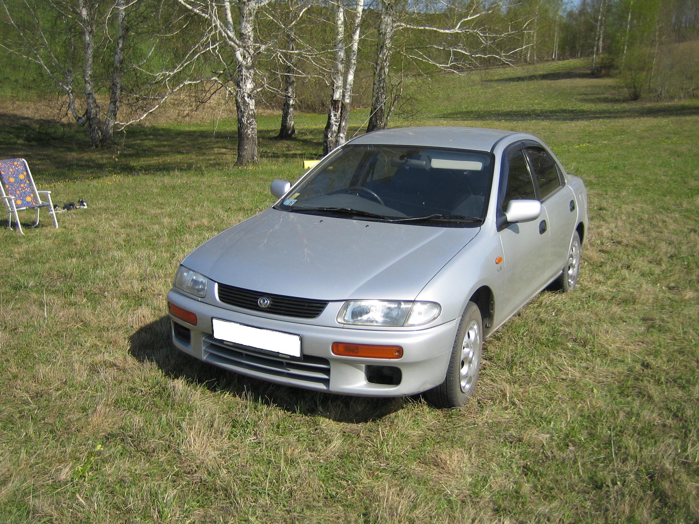 Mazda familia 1995