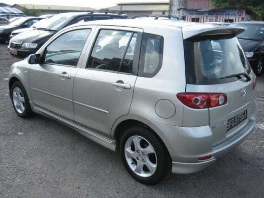 Japanese Used Cars For Sale >> 2004 Mazda MAZDA2 specs: mpg, towing capacity, size, photos