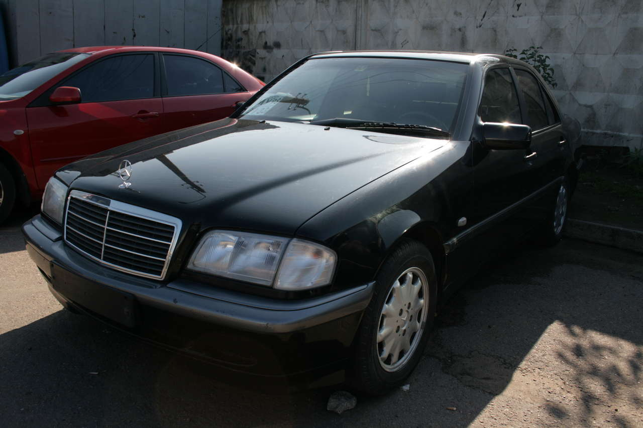 1999 mercedes benz 190 pictures 2000cc for sale for Mercedes benz 190 for sale