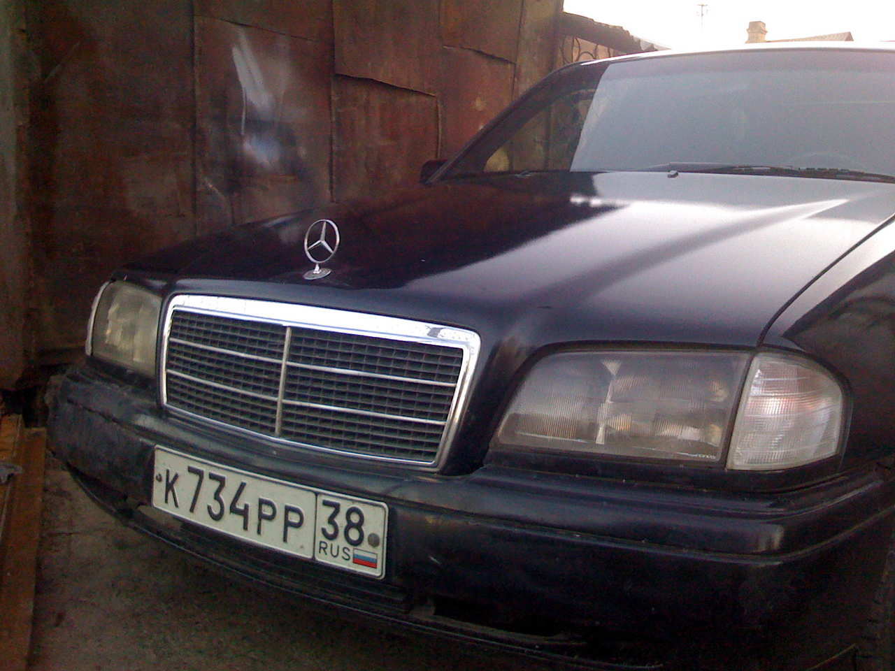 Used 1992 mercedes benz c class photos 2000cc diesel for Common problems with mercedes benz c class